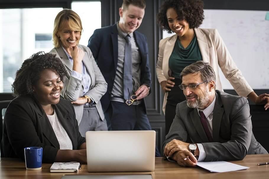 brainstorming business people